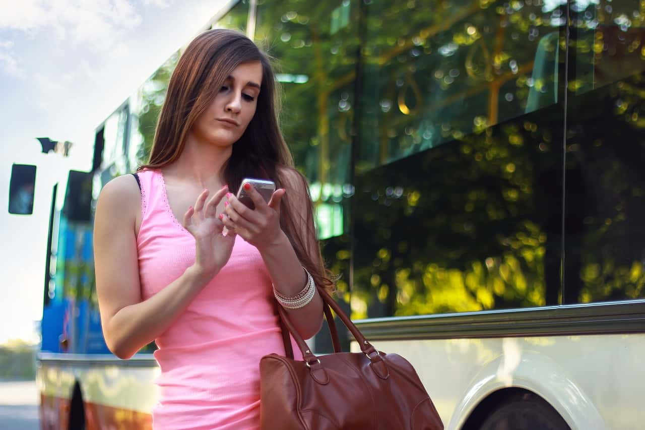 woman-using-mobile-phone